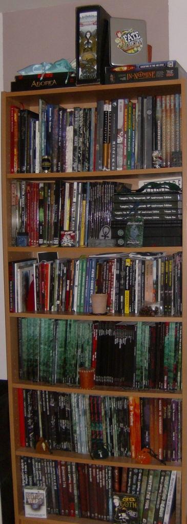 RPG-Regal von der Seite