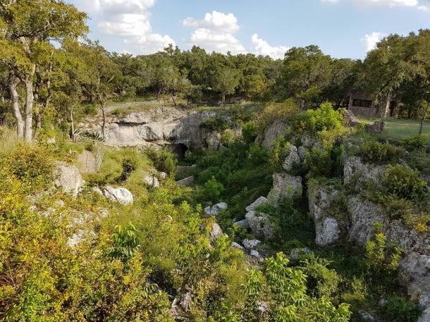 Das Tal mit der Höhle