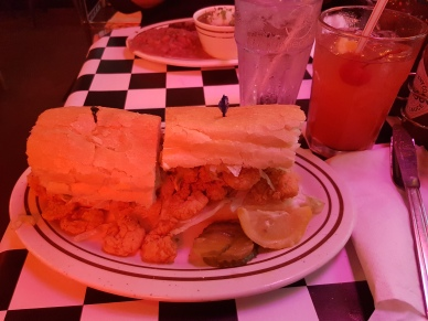 Po'Boy Shrimps + Cocktail: Hurricane